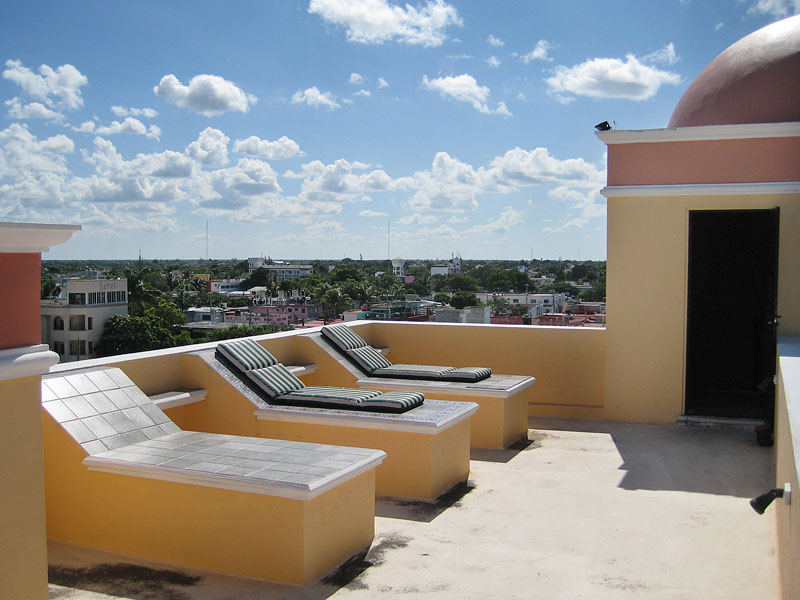 The sun deck on the top of Casa Grade rental house Cozumel
